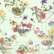 wunderschöne Sammeltassen mit Blüten bestückt