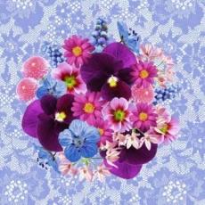 Bunter Strauß auf blauer Spitze - Flower bouquet on blue lace