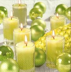 Kugeln & Kerzen in grün - Balls & candles in green - Balles & bougies en vert