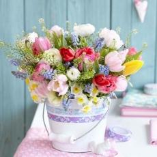 Bunter Strauß mit Hyazinthen, Narzissen & Tulpen - Colorful bouquet of hyacinths, daffodils and tulips - Bouquet coloré de jacinthes, jonquilles et les tulipes