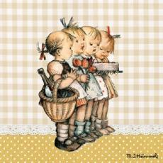 4 nostalgische Mädchen mit Kuchen, Blumen & Saft - 4 nostalgic girls with cake, flowers & juice - 4 fille nostalgique avec gâteau, fleurs et jus