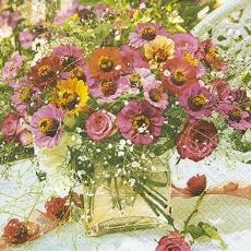 Blumenstrauß mit Rosen in Glasvase - Bouquet with roses in glass vase - Bouquet de roses dans un vase en verre