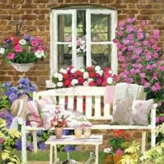 Bank auf der Blumenterasse,- Bench on the flower earth,- Banc sur la terre de fleur