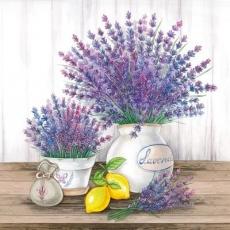 Lavendel & Zitronen auf einen Tisch - Lavender and lemons on a table - Lavande et citrons sur une table