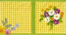 Kleiner Frühlingsstrauß und Schmetterlinge