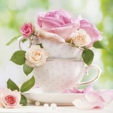 zarte Rosen & Tassen - delicate roses & cups - roses délicates et tasses