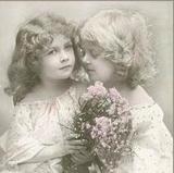 Nostalgische Mädchen Mit Blumen - Nostalgic girls with flowers - Nostalgiques filles & fleurs