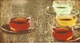 Bunte Tassen mit Tee - Colorful cups with tea - Tasses colorées avec du thé