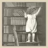 Kind in nostalgischer Bibliothek - Child in nostalgic library - Enfant dans la bibliothèque nostalgique