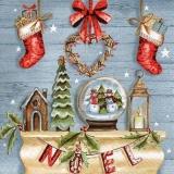 weihnachtliche Accessoires vor einer Holzwand - Christmas accessories in front of a wooden wall - Accessoires de Noël devant un mur en bois