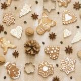 Anissterne, Kaffeebohnen, Zapfen & Plätzchen - Anise stars, coffee beans, cones & cookies - Anis étoiles, grains de café, cônes et biscuits